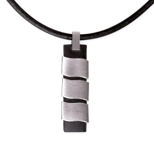 """LuxXL """"HIM"""" Edelstahlanhänger mit Lederband 45 cm"""