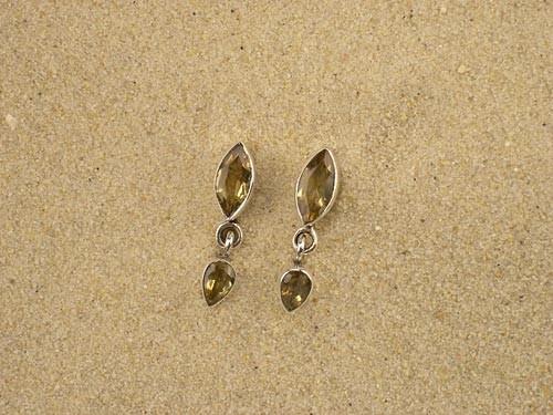 Silberohrringe mit echten Steinen